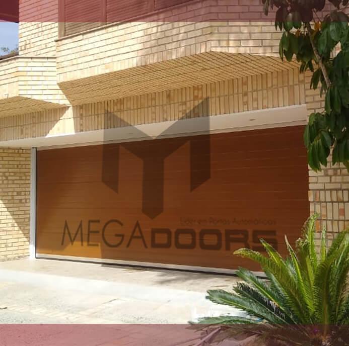 Portão de madeira é uma opção sofisticada e segura para a fachada de casas, garagens e empresas!