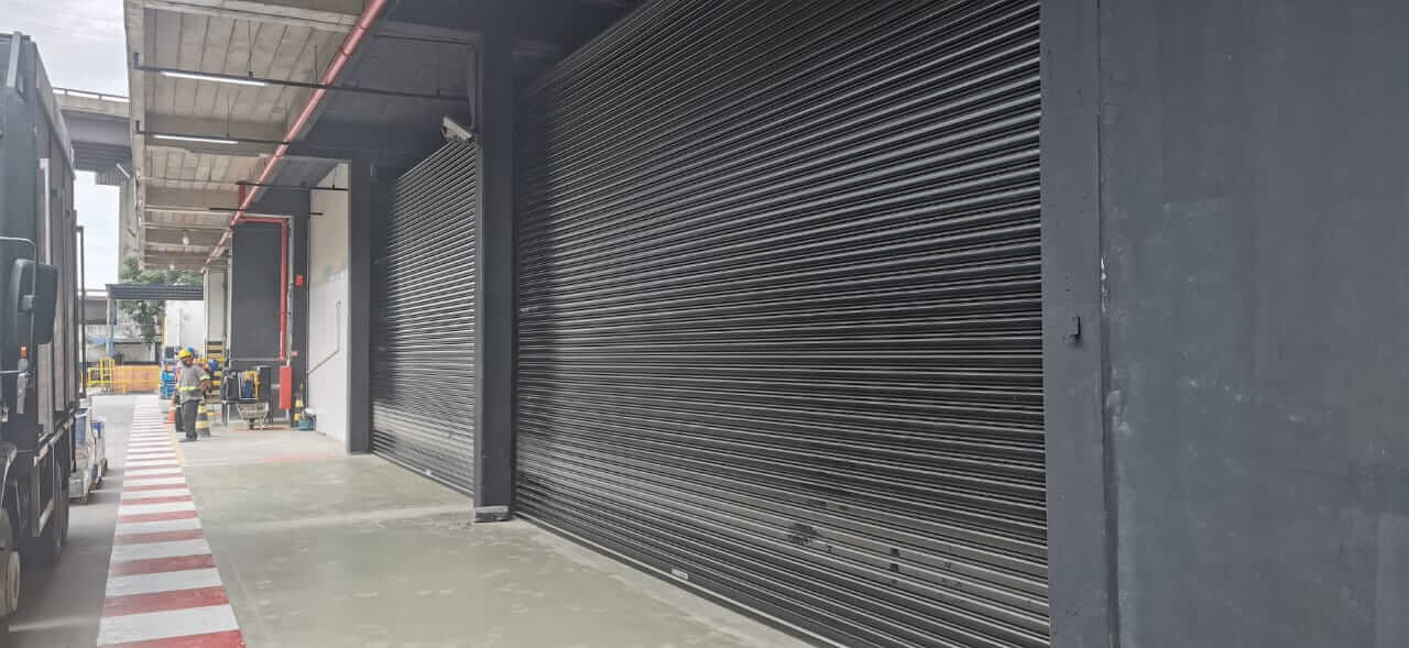 Porta de aço automática
