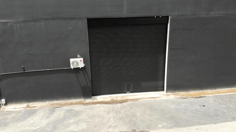 porta para galpão